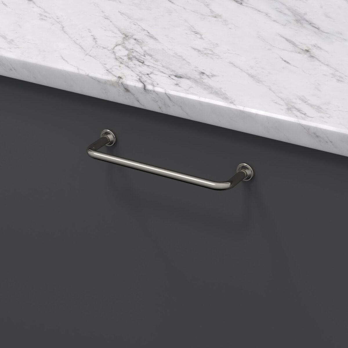 Handtag 1353 fornicklad 33061 11 cc 128 mm ncs s 7500 n marmor carrara