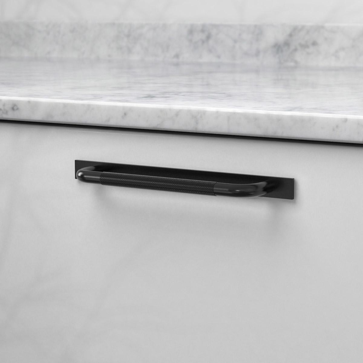 Handtag helix med bricka matt svart 308540 11 cc 160 mm ncs s 3000 n marmor carrara