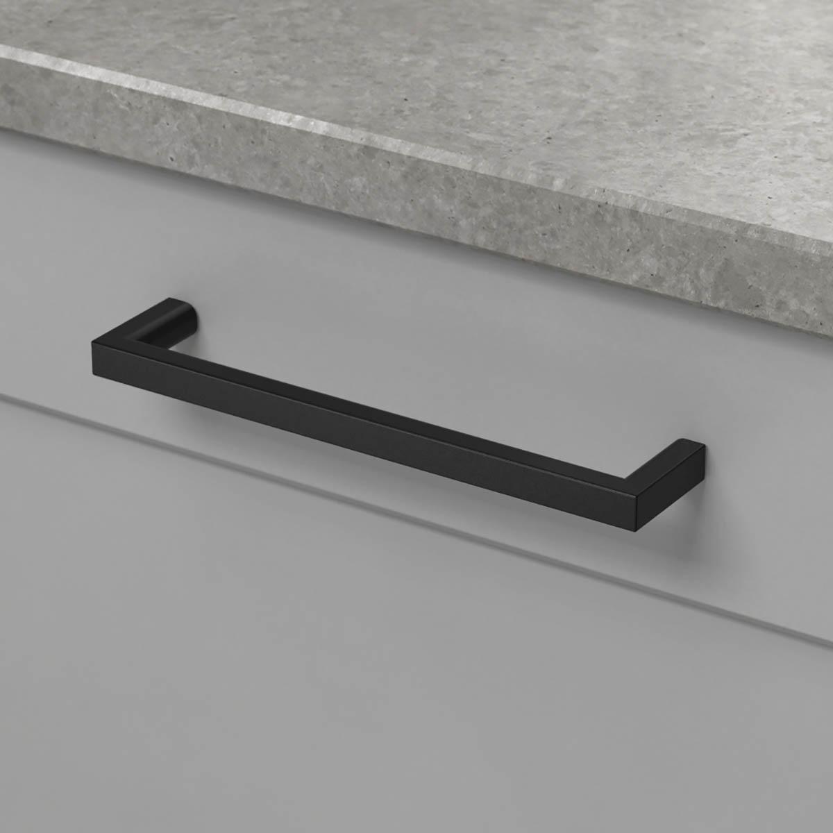 Handtag soft matt svart 306002 11 cc 128 mm ncs s 4500 n noble concrete grey