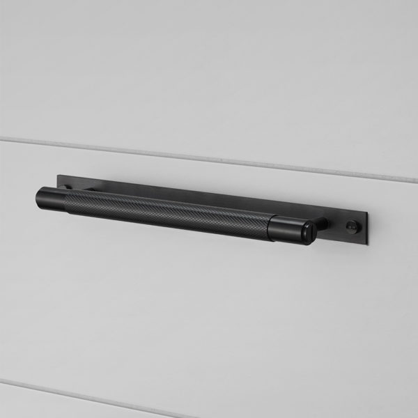 BP pull bar plate black 960x960px