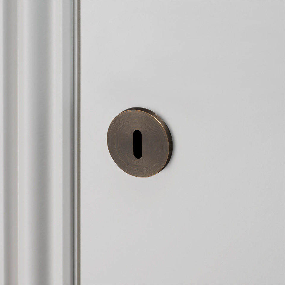 Buster Punch ESCUTCHEON PLATE SMOKED BRONZE 960x960px