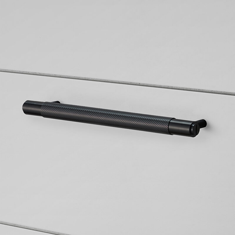 Buster Punch HARDWARE pull bar black 960x960px