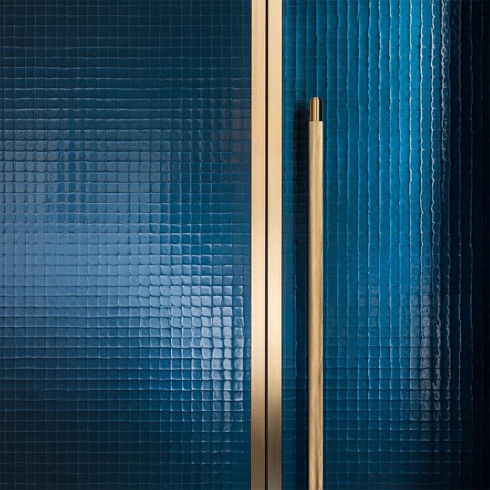 5. BusterPunch Closet Bar Brass Lifestyle 3