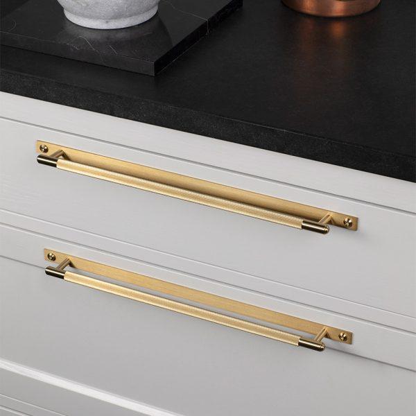 BP Linear Lifestyle Pull Bar Plate Brass