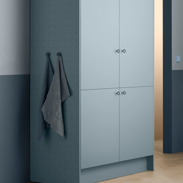 Toniton 08 0003 Blue cabinet blue wall original 506096