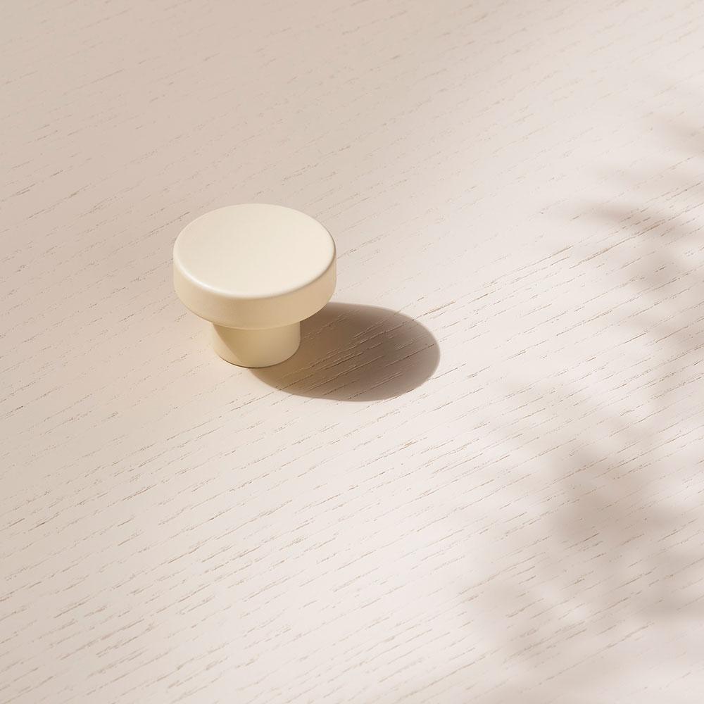 toniton circular creme beslagdesign 1000x1000px 534565