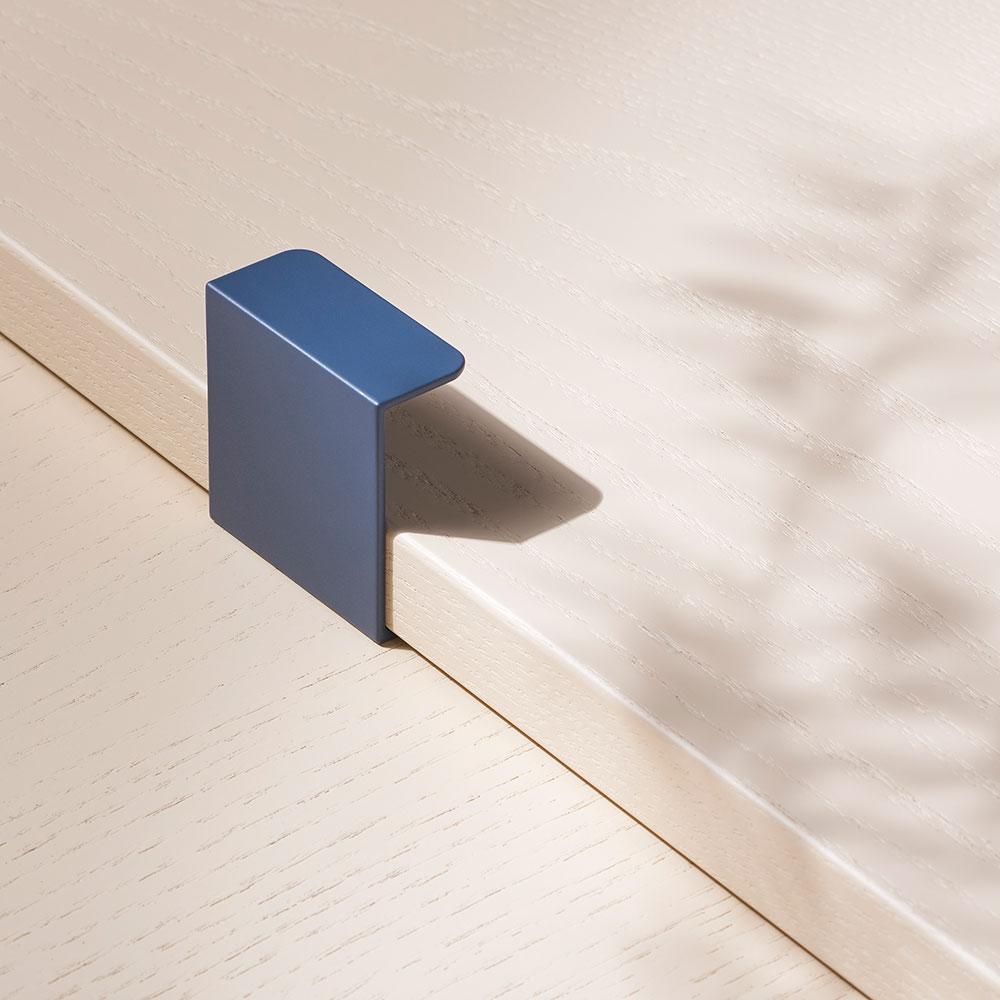toniton hide 40 blue beslagdesign 1000x1000px 534584