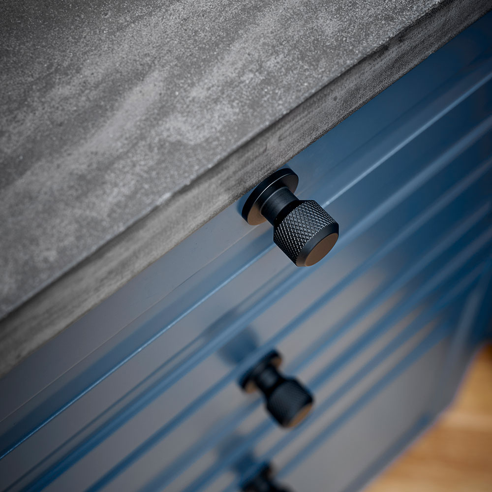 Knopp Manor Round Beslag Design Matt Svart 351036 11 miljo2