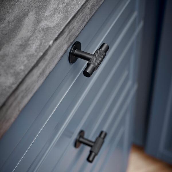 Knopp Manor T Beslag Design Matt svart 351031 11 miljo