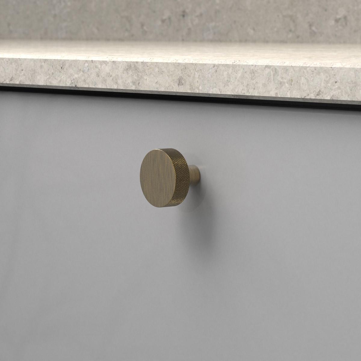 knopp flat antik brons 309163 11 32 mm ncs s 4500 n kalksten