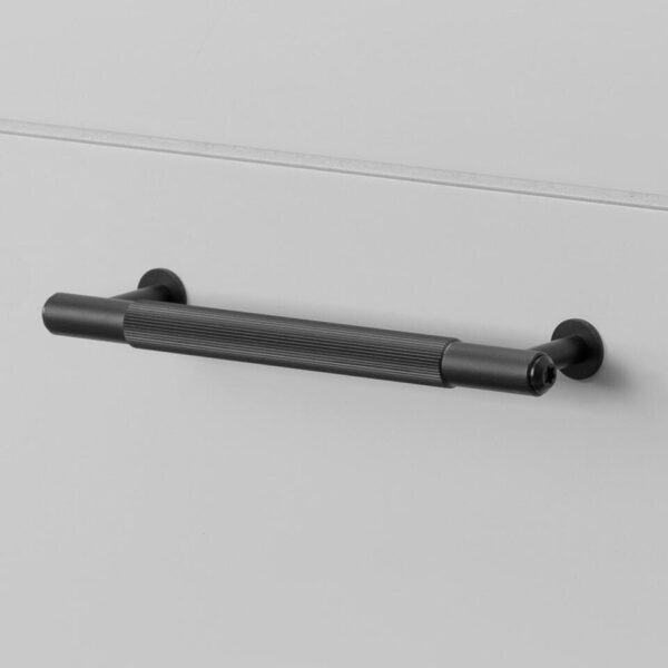 960x960 1. Pull Bar Small Linear Black 2
